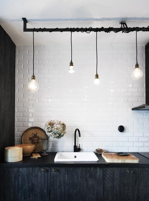 mehrere gl hbirnen an kabeln als deckenleuchte elektrik heimwerken einrichtung. Black Bedroom Furniture Sets. Home Design Ideas