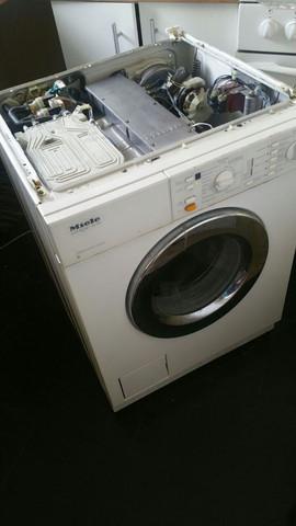 Waschmaschine - (Waschmaschine, Haushaltsgeräte)
