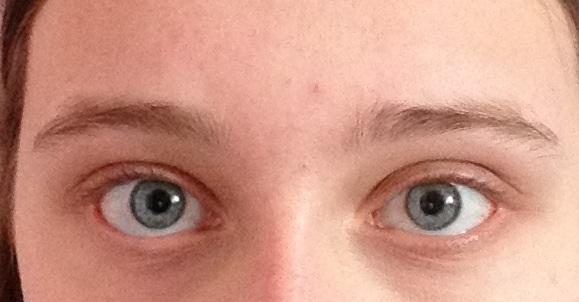 Augenbrauen - (Kosmetik, Augenbrauen, hässlich)