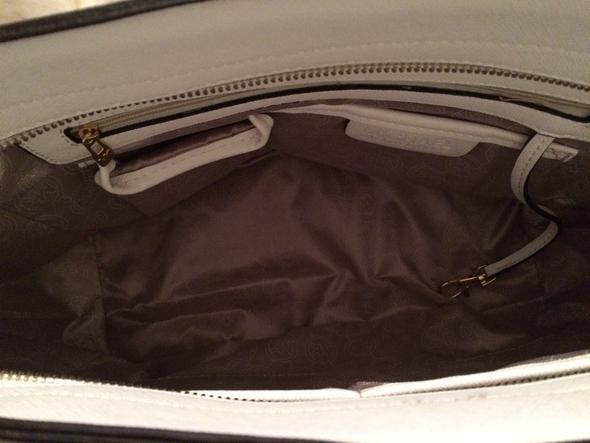 Innenraum - (Mode, Handtasche, Label)
