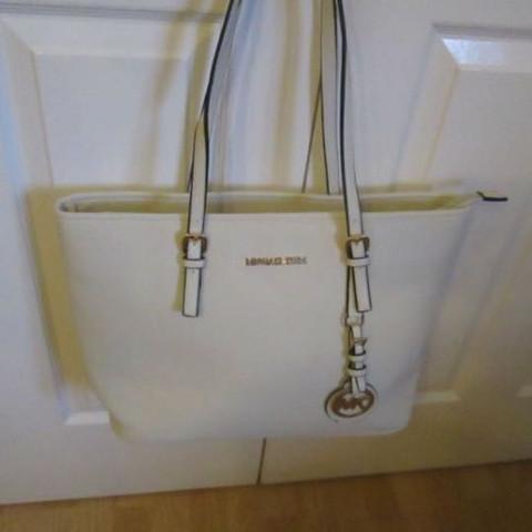 eb423a341750b Michael Korse Tasche gekauft. Fake  (eBay