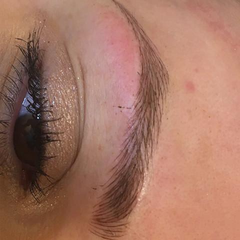 1. Behandlung  - (Beauty, Aussehen, Augenbrauen)