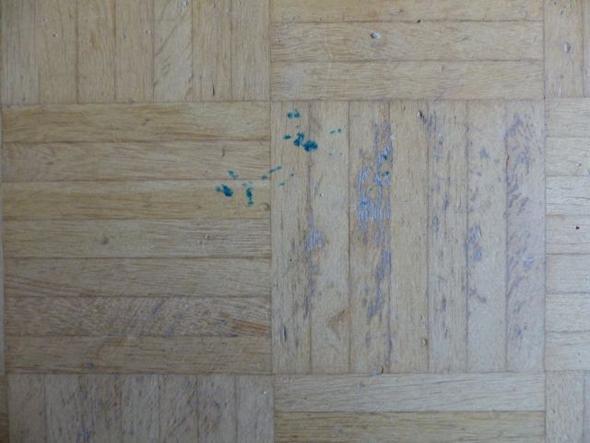 Holzfußboden Kratzer ~ Mietrecht: was fällt unter parkettschäden und was unter normale