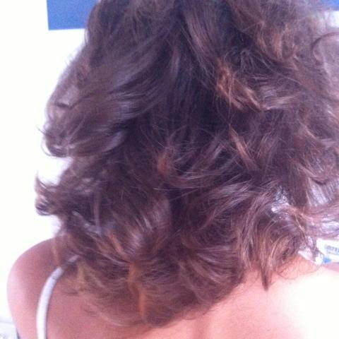 Man erkennt es noch so gut es sind so ein paar hellbraune Strähnen auch noch - (Haare, Haarfarbe, färben)