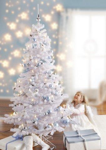 Weihnachtsbaum Plastik Weiß.Mit Was Kann Man Einen Tannenbaum Weiß Sprühen Weihnachten Farbe