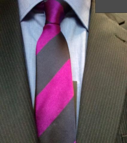Anzug mit Krawatte und Hemd - (Mode, Farbe, Hemd)