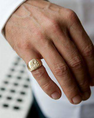 Am daumen bedeutung mann ring Ring am