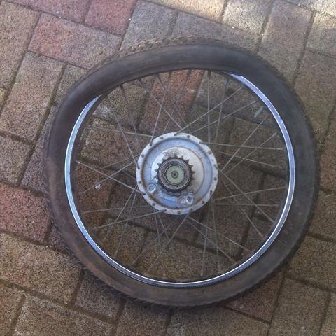 Hier seht ihr das Problem  - (Mofa, Moped, Reifen)