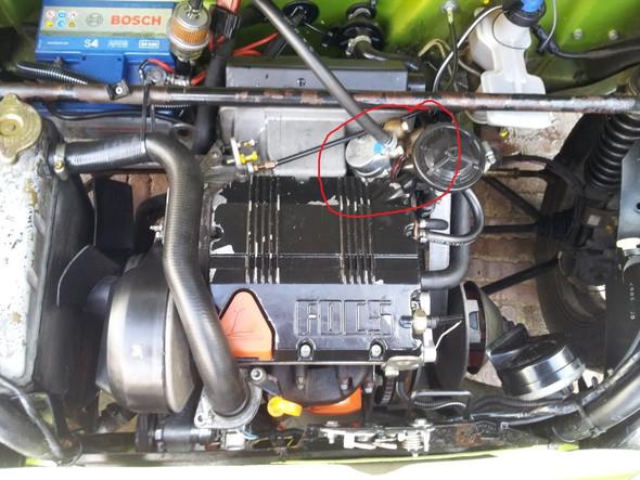 mopedauto motorwechseln alte motor ohne kraftstoffpumpe. Black Bedroom Furniture Sets. Home Design Ideas