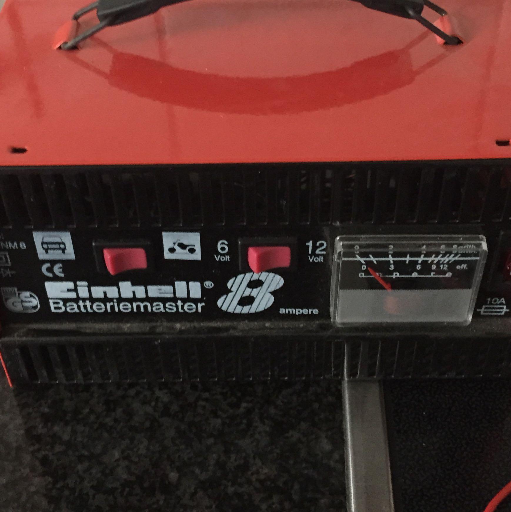 motorrad batterie knistert beim laden. Black Bedroom Furniture Sets. Home Design Ideas