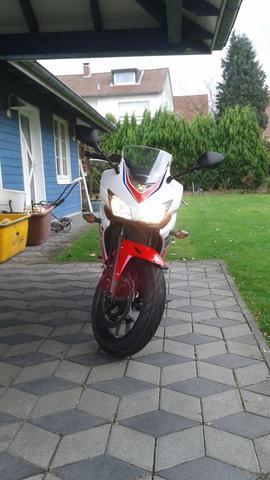 CBR - (Motorrad, Motor, Moped)