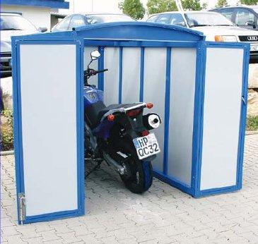 motorradgarage auf mietparkplatz aufstellen motorrad mietrecht garage. Black Bedroom Furniture Sets. Home Design Ideas