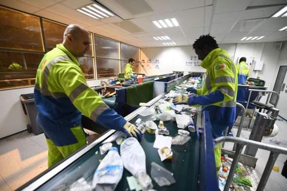 Müllsortierer: gute Arbeit?
