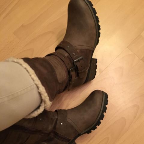 fragliche Schuhe :) - (Mode, Farbe, Style)