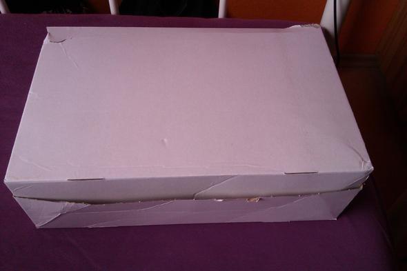 Das Ist Der Karton