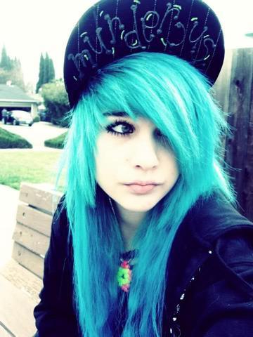 muss ich blondieren um so helle blaue haare zu haben. Black Bedroom Furniture Sets. Home Design Ideas