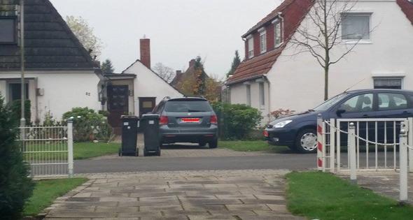 Nachbar stellt mülltonne vor mein grundstück