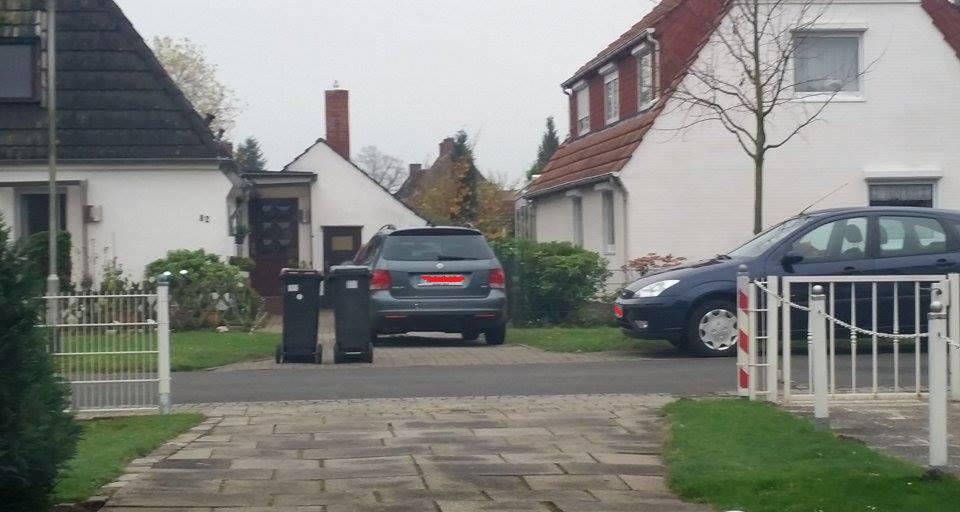 Nachbarn Verwehren Mir Grundstückseinfahrt Durch Zuparken