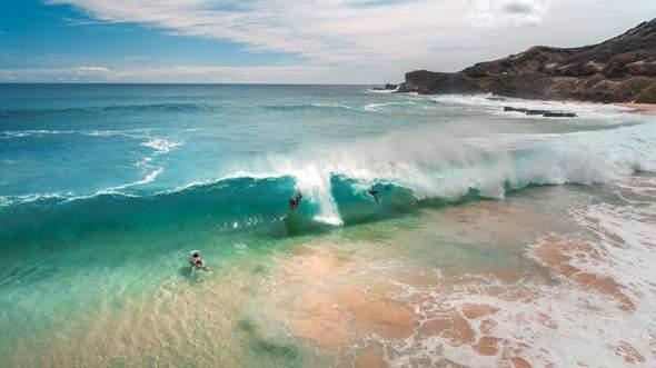 Nächsten Monat geht's in den Sommerurlaub. Welche Bademoden sind zurzeit beliebt? Was würdet ihr diesen Sommer am Strand tragen?