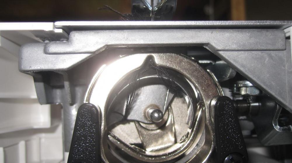 nähmaschine faden verheddert sich (fadenspannung) ~ Nähmaschine Unterfaden Einstellen