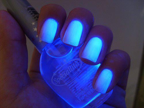 Leuchtender Nagellack - (Make-Up, Nagellack)