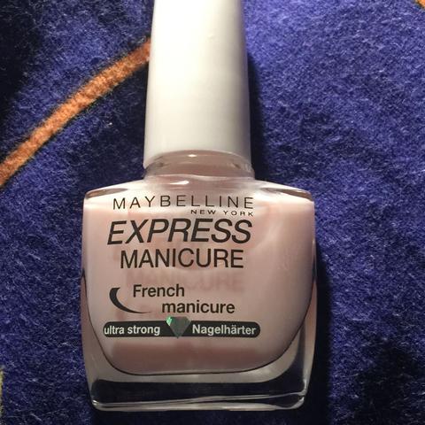 Das ist die Nagelpflege!  - (Unterschied, Nägel, Nagellack)