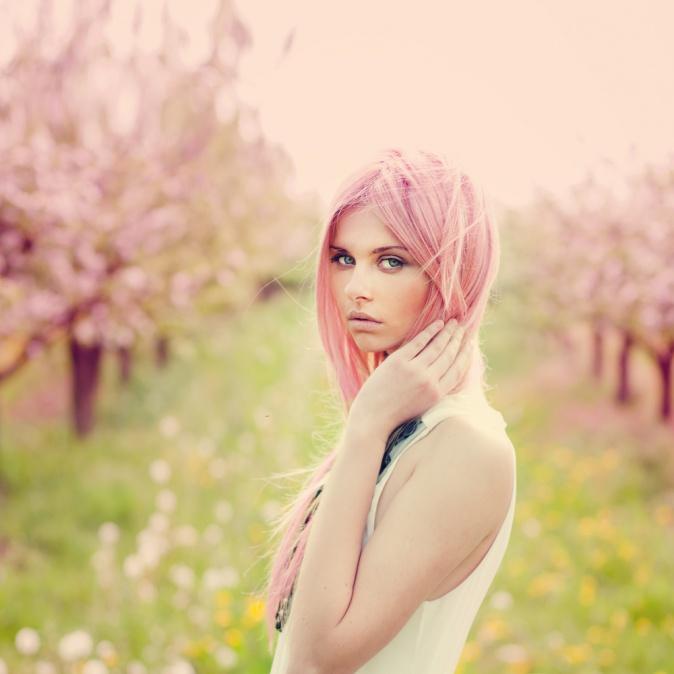 natur hellblondes haar pastell rosa t nen haare frisur. Black Bedroom Furniture Sets. Home Design Ideas
