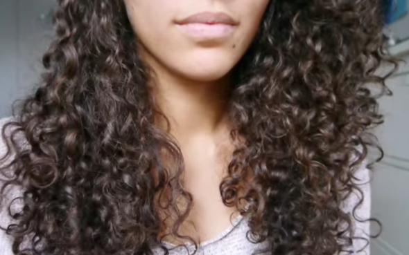 Naturlocken oder lieber glatte Haare?
