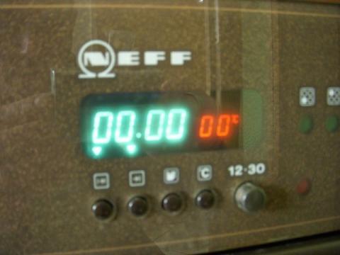 neff herd wie bekomme ich die temperaturanzeige aus dem display backofen elektroherd. Black Bedroom Furniture Sets. Home Design Ideas