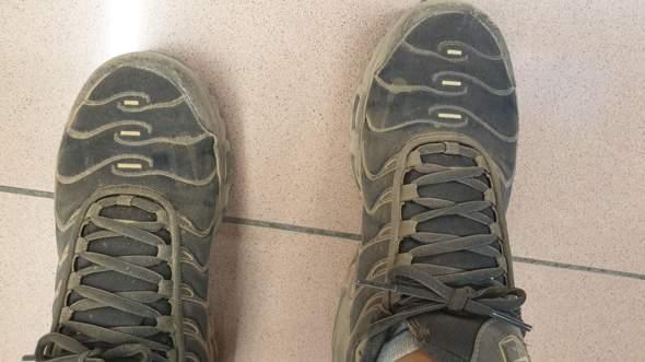 - (Schuhe, Nike, waschen)