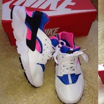 Dieses Modell  - (Schuhe, Nike, Huarache)