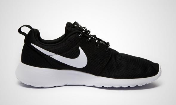 Nike roshe run damen schwarz 38? (Schuhe, Online-Shop)
