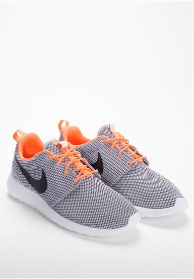 wie bekommt man nike roshe run sauber schuhe joggen. Black Bedroom Furniture Sets. Home Design Ideas