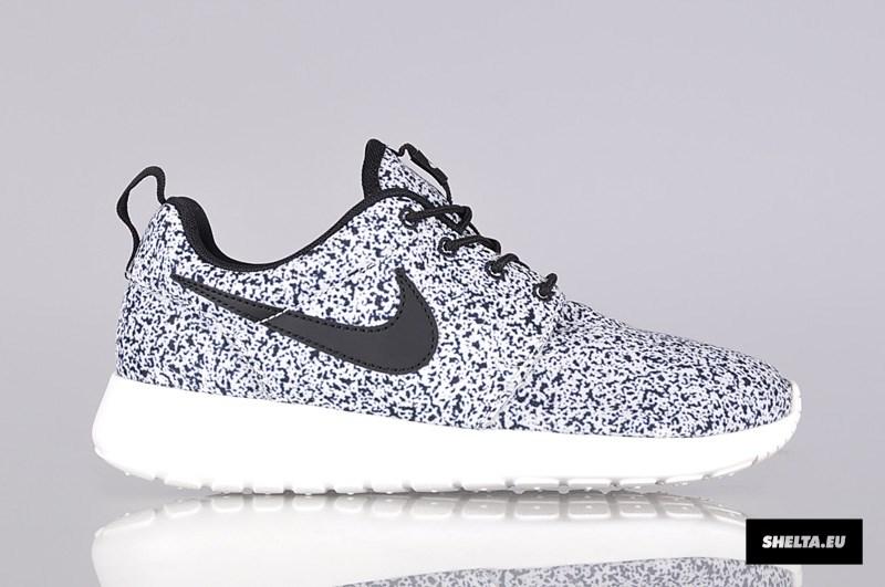 Nike Roshe Run Print? schwarz weiss grau gepunktet woher