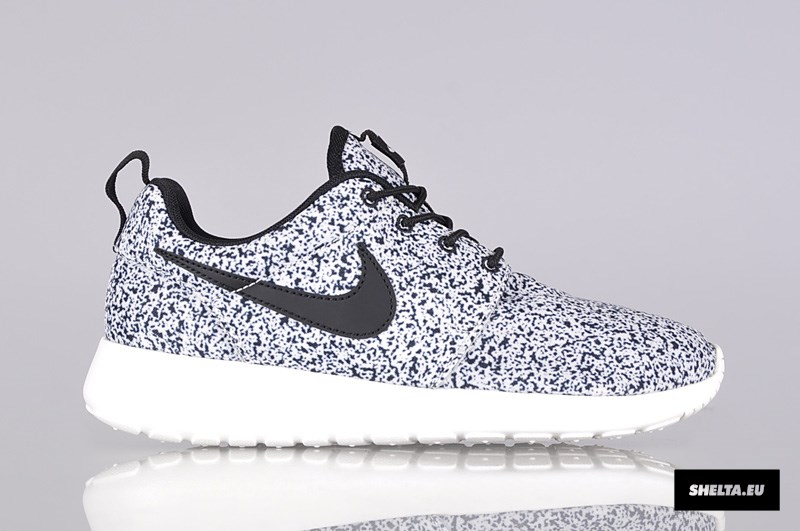 nike roshe run print schwarz weiss grau gepunktet woher. Black Bedroom Furniture Sets. Home Design Ideas