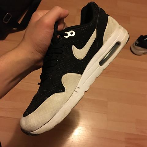 So sollte es normalerweise aussehen und alles zusammen bleiben  - (Schuhe, Nike, Garantie)