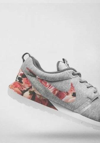 Nike Schuhe mit Blumenmuster gesucht! (Sport, Mode, Blumen)