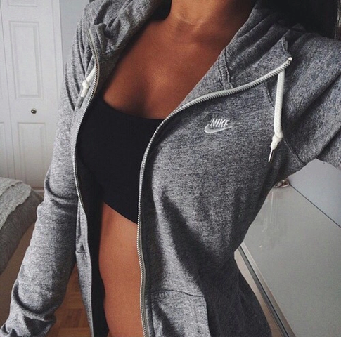 Das ist der Pulli - (Kleidung, Nike, Pulli)