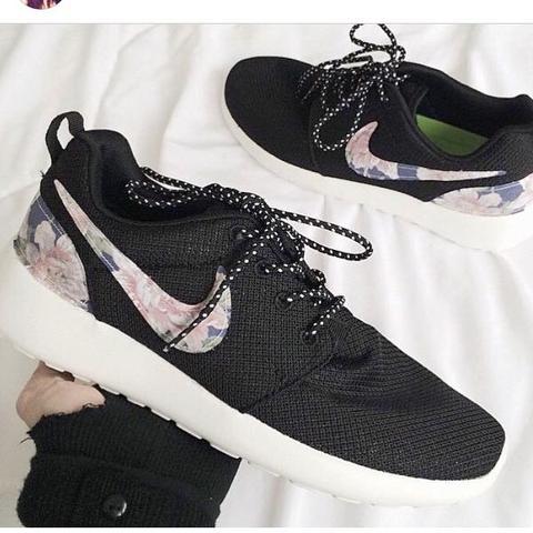 Nike Roshe Run Damen Erstellen