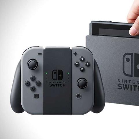 Das ist die Graue  - (Internet, Amazon, Nintendo)