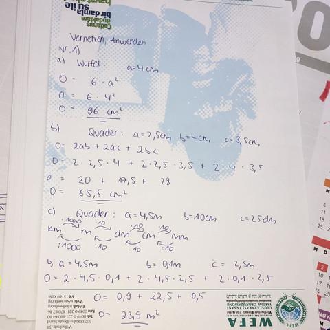 Lösung - (Körper, Mathe, Oberflächeninhalt)
