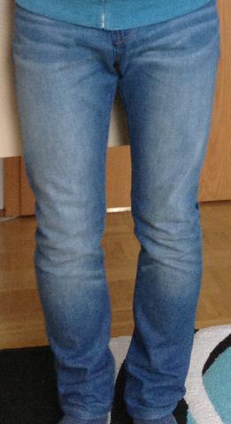 vorne - (Mode, Beine, Jeans)