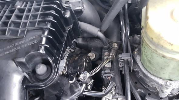Rechts vom Motor - (Auto, Reparatur, Motor)