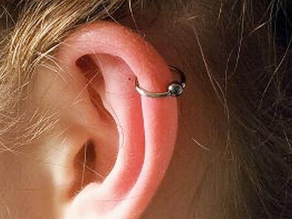 Ohrringe stechen lassen unter 18