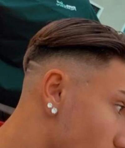 Ohrring bei Männern / Jungs ? (Mode, Männer, Piercing)