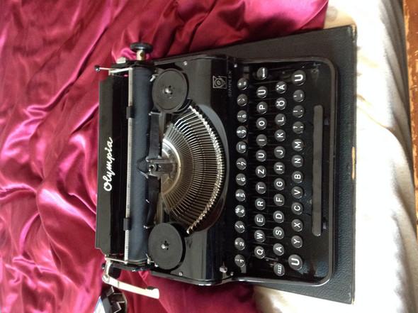 Olympia Simplex Schreibmaschine Wagensperre lösen?