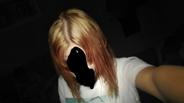 etwas nicht an einer Lampe  - (Friseur, blond, gelb)