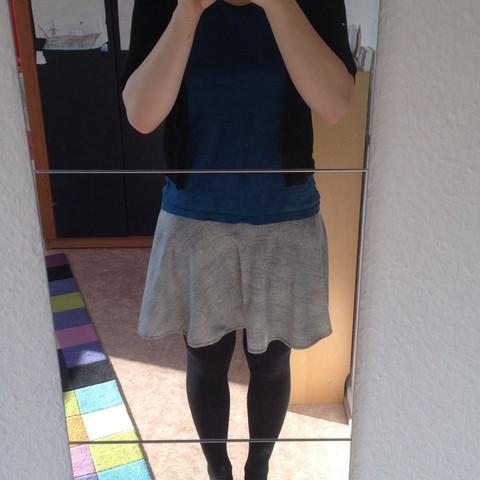 Outfit - (Klamotten, Rock, T-Shirt)