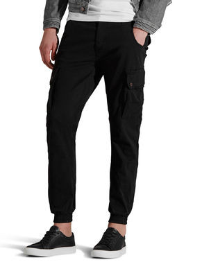 Hier die schwarze Hose - (Mode, Kleidung, Junge)