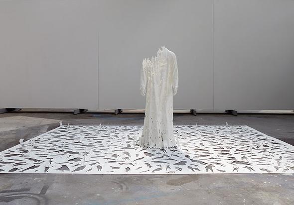 papier plastik oder eine papier skulptur kunst k nstler. Black Bedroom Furniture Sets. Home Design Ideas